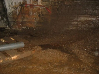 sludge material discharge in mine